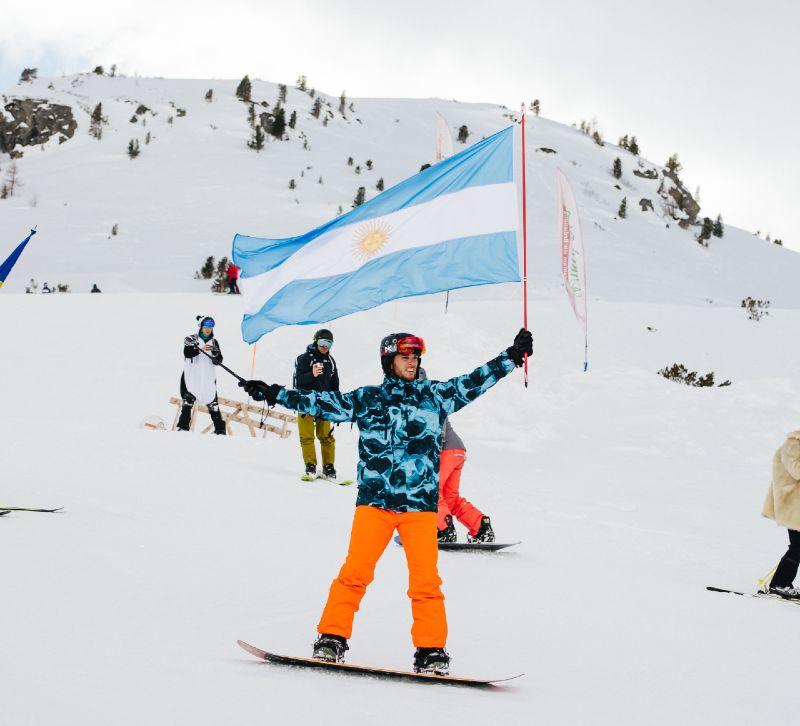 Parade of Nations The Ski Week 2019 915 CREDIT Asa Steinars
